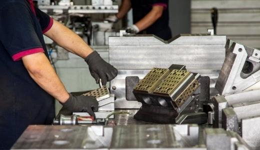 Les sites web dans le secteur industriel-877444-edited
